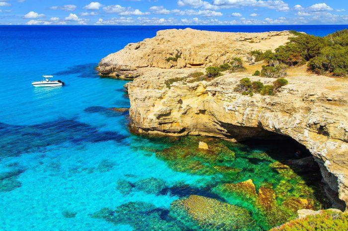 Кіпр острів з серцем